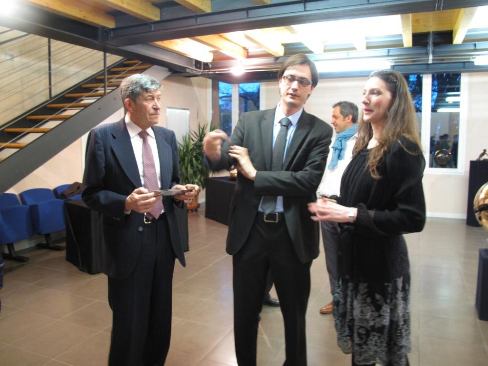 >Inaugurata con successo la mostra di Grillo in Biblioteca a Codognè