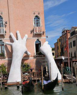 Le mani di Quinn a Venezia